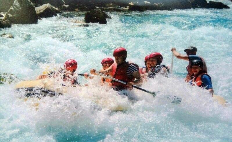 river-rafting-images-shillong-meghalaya-dawki.
